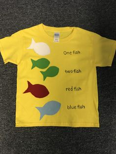 Seuss one fish, two fish, red fish, blue fish Dr Suess Characters, Book Characters Dress Up, Dr Seuss Diy Costumes, Teacher Costumes, Story Book Costumes, Book Character Costumes, Fish Costume Kids, Dr Seuss Shirts, Dr Seuss Crafts