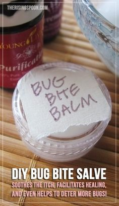 to Make a Homemade Salve For Healthy Summer Skin How to Make a Non-Toxic Homemade Salve for Bug Bite Relief (That Really Works! Young Living Oils, Young Living Essential Oils, Homemade Beauty, Diy Beauty, Beauty Hacks, Beauty Tips, Beauty Products, Natural Products, Beauty Care