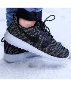 separation shoes accfe 02647 2014 cheap nike shoes for sale info collection off big discount.New nike  roshe run,lebron james shoes,authentic jordans and nike foamposites 2014  online.