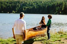 Schnappt euch ein Kanu und dann ab aufs Wasser! Und wenn es mal zu warm wird: einfach reinspringen! Natürlich nur, wenn man schwimmen kann 😊 #kanu #volvic #sommer #naturerleben Our Planet, Rowing, Water, Science, Beautiful, Auvergne, Canoe, Swimming, Mineral Water