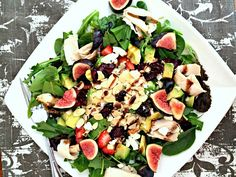 spring mix, arugula, deli chicken, avocado, strawberries, almonds, dried cranberries, figs, feta and a drizzle of lemon infused olive oil and aged balsamic