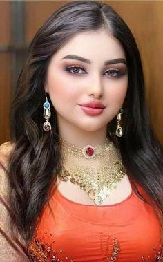 Beautiful Arab Women, Beautiful Girl Indian, Beautiful Girl Image, Beautiful Indian Actress, Beautiful Eyes, Beauty Full Girl, Beauty Women, Brunette Beauty, Indian Beauty Saree