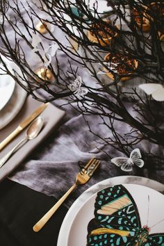 the butterfly ball halloween party tabletop | coco+kelley
