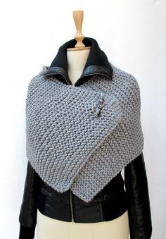 Tricot Capelet, Poncho, tricot, tricoté, envelopper gris Pin sportive Chunky broche perlée Plus