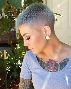 Pixie cuts for 2018 are diverse and you can get many options. If you have thick hair then getting a pixie cut makes your hair look full of texture and voluminous. With fine hair, you can get the pixie cut that adds dimension to your hair. Short Grey Hair, Short Hair Cuts For Women, Short Hairstyles For Women, Short Cuts, Buzz Cut Women, Buzz Cuts, Hairstyle Short, Super Short Hair Cuts, Super Short Pixie