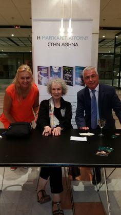 Η Μάργκαρετ Άτγουντ μαζί με τον κο Θάνο Ψυχογιό και την κα Νίνα Ψυχογιού!