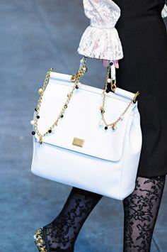 804f186f2e5 Dolce  amp  Gabbana Fall 2012 - lovely bag Best Handbags