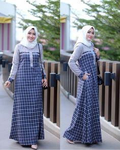 Detail Mat fanel mix toyobo allsize ld 104 pb 140 No pashmina . Idr Ready 28 Mei 2018 Shipping from Surabaya . Abaya Fashion, Modest Fashion, Fashion Dresses, Modest Dresses, Simple Dresses, Muslim Long Dress, Sabrina Dress, Hijab Style Dress, Muslim Women Fashion