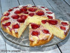 GRUNT TO PRZEPIS!: Proste ciasto jogurtowe z truskawkami Cake Recipes, Snack Recipes, Dessert Recipes, Cooking Recipes, Snacks, Polish Desserts, Polish Recipes, Polish Food, Food Cakes