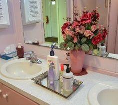 10 DIY Home Decor Tricks: Easy Faux Granite Countertops