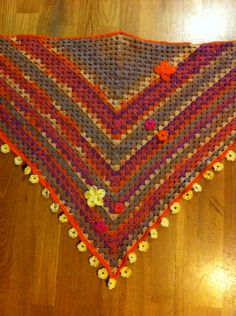Shawl with flowerdecore
