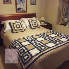 granny square and chevron blanket - in Modern Granny Square Crochet and More (Book Crochet Blanket Edging, Crochet Bedspread, Crochet Quilt, Granny Square Crochet Pattern, Crochet Blocks, Crochet Squares, Crochet Home, Crochet Granny, Crochet Motif