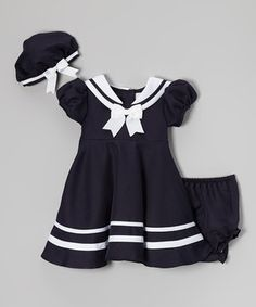 Ahoy, sailor! This set is as classic as they come, thanks to its clean lines, rich color and crisp bows, making it perfect for a sailor's arrival or departure. With elastic in the cap and diaper cover, it'll stay comfy low to high tide.