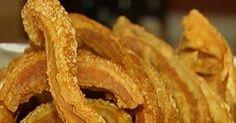 Dono de boteco ensina a preparar torresmo crocante, em Jataí, GO                                                                                                                                                                                 Mais Chef Recipes, Pork Recipes, Snack Recipes, Snacks, Portuguese Recipes, Perfect Food, I Love Food, Tapas, Food Porn