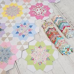 Instagram Hexagon Quilt, Hexagons, Liberty Quilt, Sewing Hacks, Sewing Tips, Paper Piecing Patterns, Quilted Table Runners, English Paper Piecing, Polymer Clay Beads