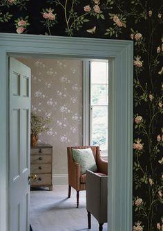 Bedroom Wallpaper Retro Accent Walls Ideas For 2019 Bedroom Vintage, Vintage Home Decor, Vintage Style, Vintage Furniture, Retro Vintage, Bedroom Wallpaper Retro, Dark Wallpaper, Dark Accent Walls, Deco Nature