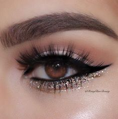 Chic Eye Makeup You'll Fall In Love With; Col… - Chic Eye Makeup You'll Fall In Love With; Col… Chic Eye Makeup You'll Fall In Love With; Makeup Eye Looks, Wedding Makeup Looks, Cute Makeup, Eye Makeup Steps, Glitter Eye Makeup, Eyeshadow Makeup, Smoke Eye Makeup, Matte Eye Makeup, Glitter Makeup Tutorial