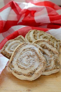 Diós csiga cukor- és gluténmentesen - Kifőztük Paleo, Bread, Cookies, God, Biscuits, Beach Wrap, Cookie Recipes, Breads, Bakeries