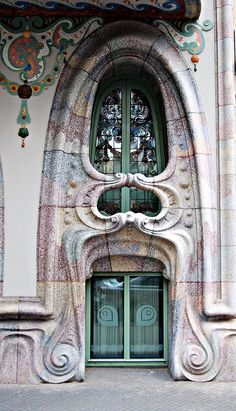 Barcelona, Casa Comalat~Corcega 316 Ventana photo by tetegil, via Flickr