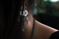 It's interesting earring, isn't it?