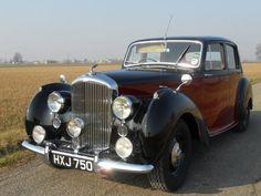 Bentley MK VI - 1947 Hey You, Luxury Cars, Good Times, Antique Cars, Mens Fashion, Vehicles, Fancy Cars, Vintage Cars, Moda Masculina