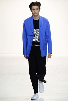 Tim Coppens Spring 2016 Menswear Collection Photos - Vogue