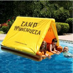 Inflatable tent pool float----again, pinning for Aubrey! My Pool, Pool Water, Pool Fun, Pool Cabana, Summer Pool, Summer Fun, Jacuzzi, Camping Accesorios, Cool Pool Floats