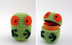 como pegar crochet a plastico de huevo kinder - Buscar con Google
