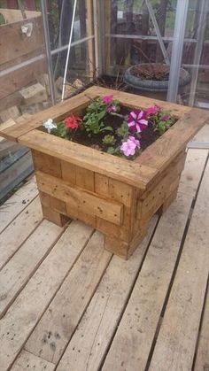 Pallet Flower Planter Box | 99 Pallets love to have three of these on my patio one with strawberries, one with tomatoes, and one with flowers