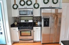 Christmas Decorating Tips and Tricks - Home Stories A to Z