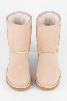 Light brown Ugg boots!!! I want them so bad!