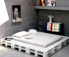 base de llit feta amb palets