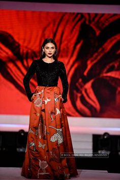 LFW '16: Aditi Rao Hydari displays Nachiket Barve's collection during The Woolmark Company fashion show at JW Marriot in Mumbai on March 28, 2016. #LakmeFashionWeek #LakmeFashionWeek2016 #LakmeFW16