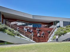 Image 2 of 12 from gallery of University of South Australia's Pridham Hall / Snøhetta + JPE Design Studio + Jam Factory. Photograph by Mark Syke Amphitheater Architecture, Architecture Awards, Landscape Architecture, Landscape Design, Oslo, University Of South Australia, Passive Design, Outdoor Cinema, Airlie Beach