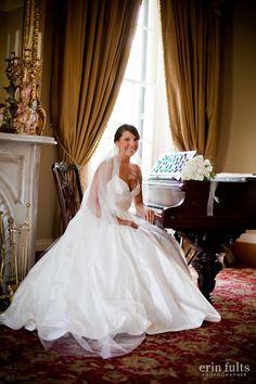 How romantic! www.visitnatchez.org #wedding #historic #dunleith