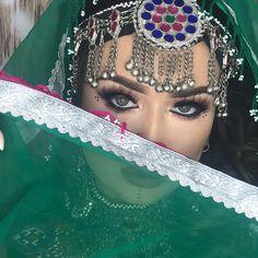 RANDEVU NO_ 05059788275 biliyorsunuz 😌bu hizmetlerimizde var by Asian Bridal Makeup, Bridal Hair And Makeup, Hair Makeup, Afghan Clothes, Afghan Dresses, Afghanistan Culture, Hijab Dp, Afghan Girl, Hair And Makeup Artist