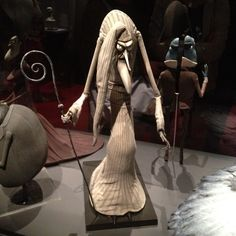 #corpsebride #pastor #statue #burtonexpo #timburton #burtonuniverse #instaweird #picoftheday - @gaelle_oopa- #webstagram Tim Burton Artwork, Corpse Bride, Creepy, Statue, Sculpture, Sculptures