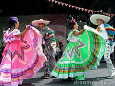 Traditional mexican dancers. Baile folklorico