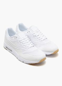 official photos cce7b 2084e Probably one of the most suitable summer sneakers among the vintage  runners, the Nike Air Max 1 Ultra Moire returns for Spring 2015 in a clean  white on ...