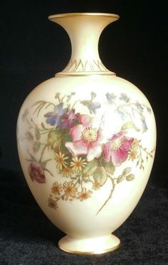 Antique Royal Worcester Blush Ivory Vases Painted With Flowers And Foliage. Dated Maker : Royal Worcester. Assayed : Backstamp for It is rare to find such a vase in such excellent condition. Tea For One, Tall Vases, Worcester, China Porcelain, Bud, Art Nouveau, Things To Sell, Antiques, Flowers