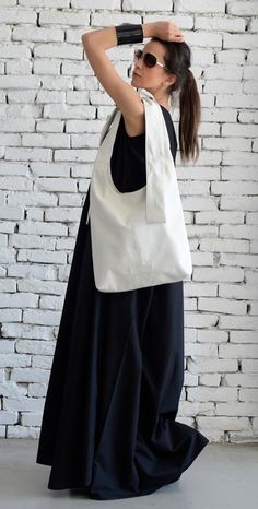 Items similar to White Shoulder Bag/Extravagant Maxi Bag/Cross Body Tote/Genuine leather White Bag/Modern Casual Maxi Clutch/Big Everyday Handbag/Casual Bag on Etsy Black And White Bags, Off Black, Black Tote, Top Casual, Casual Bags, Everyday Look, Everyday Outfits, Top Oversize, Minimalist Bag