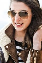 Best Christmas gift guide for your friends, sisters, or moms! Ray Ban Wayfarer giveaway too!