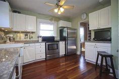 KLAMATH County LAGUNA St,-kitchen