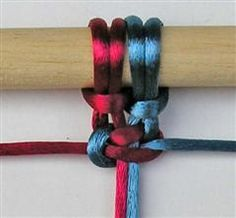 "http://www.paracordist.com known as ""cobra stitch"" in the #paracord world as it sounds more manly than a ""macramé"" survival bracelet! Macrame Square Knot - Tutorial"