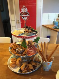 Glutenvrij kerstbuffet op school 2019 Table Settings, School, Place Settings, Schools