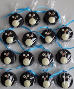 1 Dozen Chocolate Covered OREO Cookies  -  PENGUIN  -  kids birthday party, winter wonderland party, penguin party, baby shower, great gift