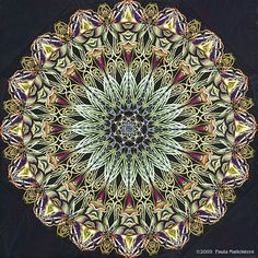 Kaleidoscope Quilts the Workbook by Paula Naddelstern. Create one-block masterpieces with step-by-step instructions by the master creator of complex kaleidoscope blocks using paper piece desibn techniques. Mandala Design, Mandala Art, Kaleidoscope Quilt, Circle Art, Recycled Art, Quilting Designs, Quilt Design, Instruments, Fractal Art