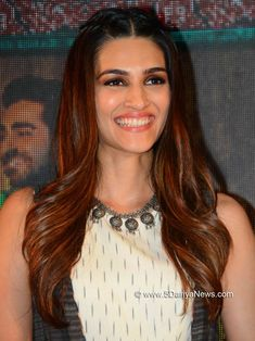 Indian Bollywood Actress, Indian Actress Hot Pics, Indian Actresses, Beautiful Redhead, Beauty Queens, Awkward, Redheads, Faces, Celebrities