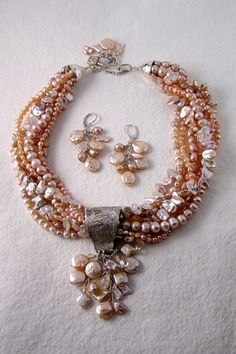 Chunky Pearl Necklace!