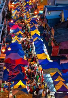 http://www.greeneratravel.com/ Cambodia Tour Operator Malaysia - night market…